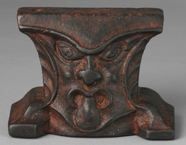 Enclume anthropomorphe, Allemagne, XVIe siècle © Staatliche Museen zu Berlin, Kunstgewerbemuseum. Photo : Stefan Büchner